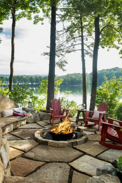 22-outdoor-fire-pits-for-cozy-backyar (19)