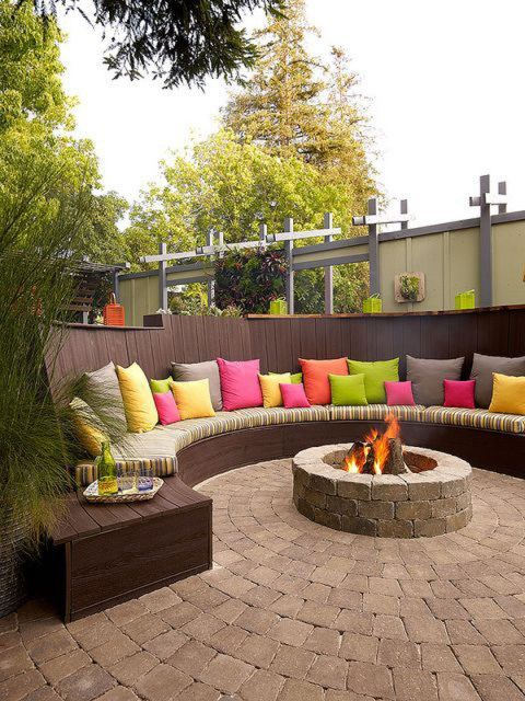 22-outdoor-fire-pits-for-cozy-backyar (2)