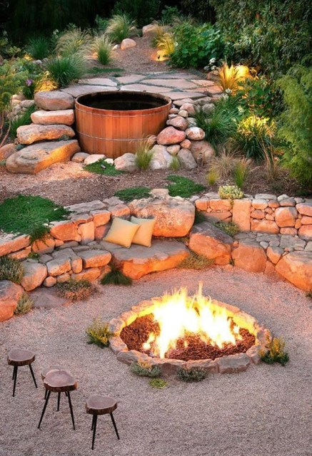 22-outdoor-fire-pits-for-cozy-backyar (23)