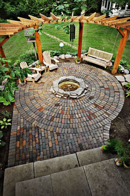 22-outdoor-fire-pits-for-cozy-backyar (6)