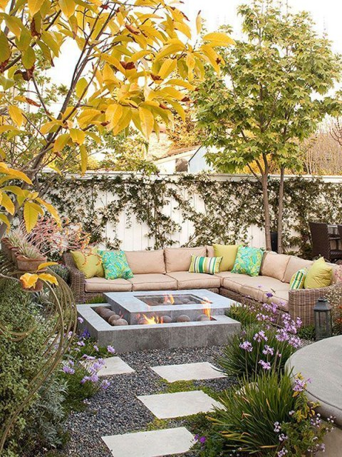 22-outdoor-fire-pits-for-cozy-backyar (7)