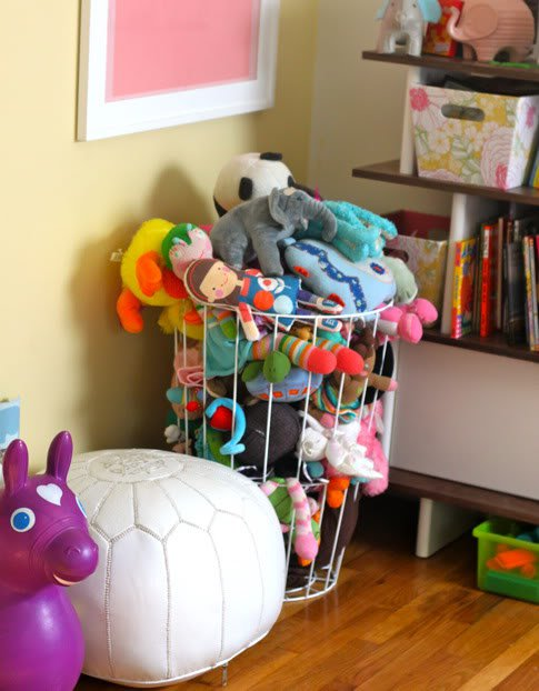 22 surprisingly diy-ideas-to-store-the-toys-for-kids (17)