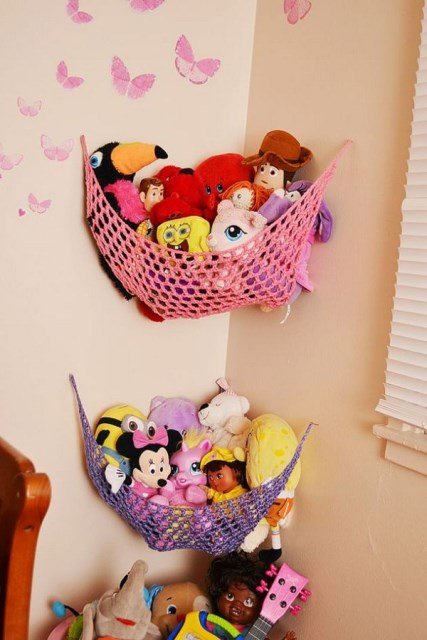 22 surprisingly diy-ideas-to-store-the-toys-for-kids (22)