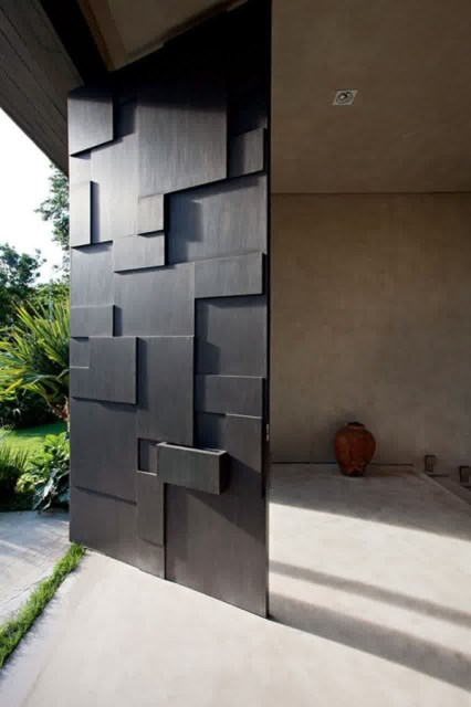 25 modern-front-door-with-wood-accents (1)