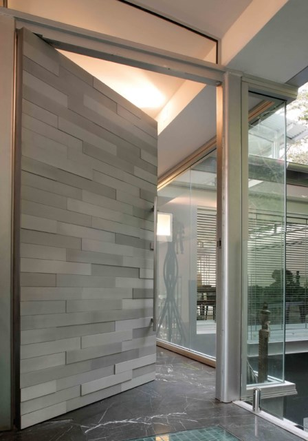 25 modern-front-door-with-wood-accents (21)