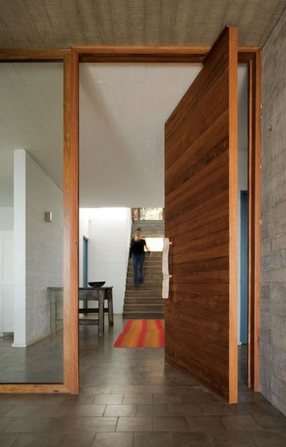 25 modern-front-door-with-wood-accents (25)