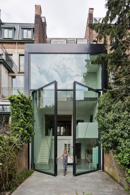 25 modern-front-door-with-wood-accents (6)
