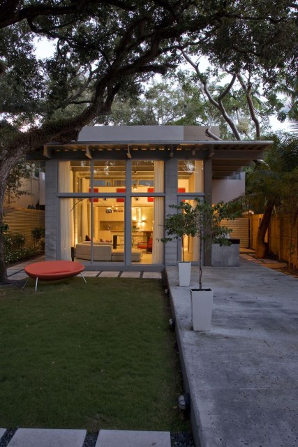 Compact Size cement Modern house (1)