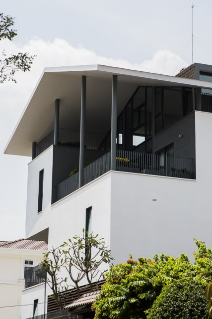 Modern House Minimalist interiors (1)