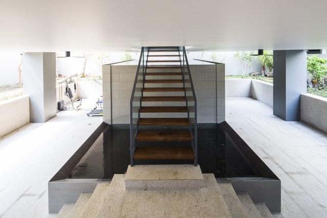 Modern House Minimalist interiors (2)