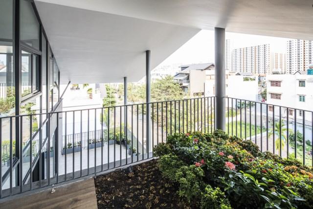 Modern House Minimalist interiors (5)
