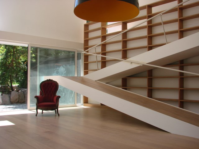 Modern home mixture of wood  brick and glass (9)