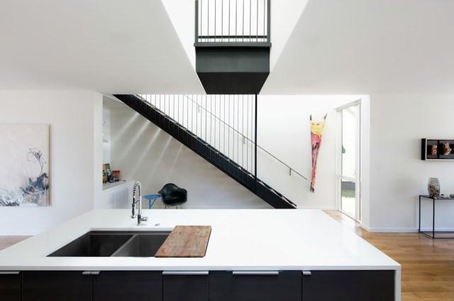 Modern house modern shape mixing materials (11)