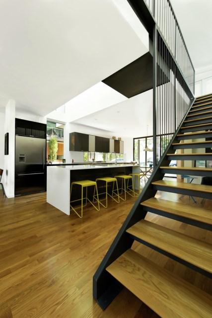Modern house modern shape mixing materials (12)
