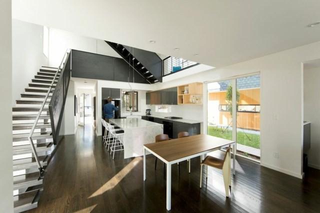 Modern house modern shape mixing materials (2)