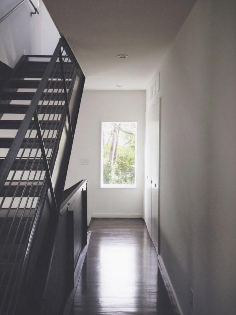 Modern house modern shape mixing materials (4)