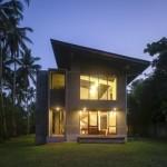 บ้านโมเดิร์นปูนเปลือยสองชั้น ออกแบบให้มีความโปร่งโล่ง กับบรรยากาศแบบบ้านสวน