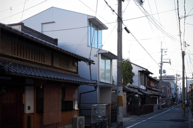Narrow House with frosted glass (2)