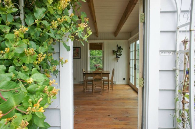 Renovate house two-story cottage Style (14)