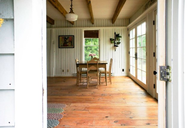 Renovate house two-story cottage Style (15)