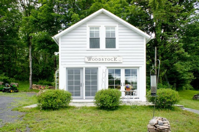 Renovate house two-story cottage Style (17)