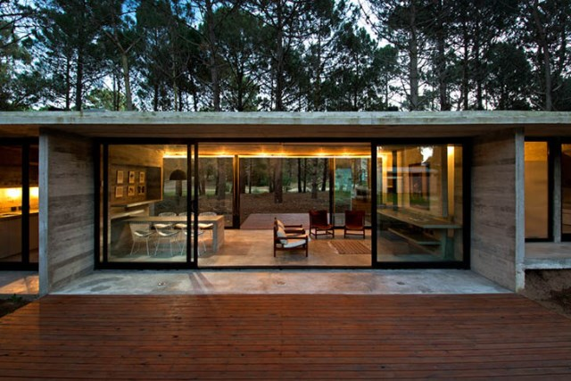 concrete-home to-the-surrounding-forest (10)