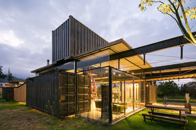 container Modern house INDUSTRIAL style (16)