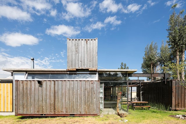 container Modern house INDUSTRIAL style (24)