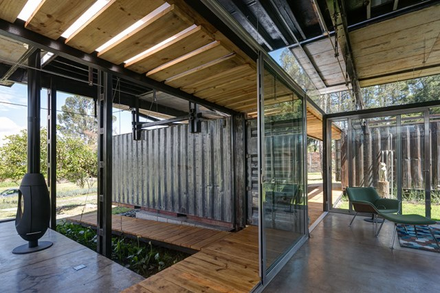 container Modern house INDUSTRIAL style (8)