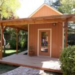 บ้านสวนสไตล์คอทเทจ มาพร้อมเฉลียงขนาดเล็ก ท่ามกลางธรรมชาติ