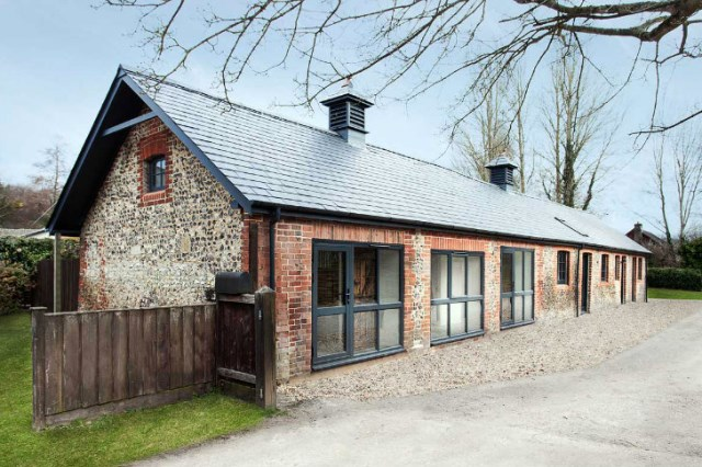 horse stables to modern house (1)