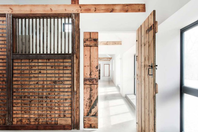 horse stables to modern house (3)