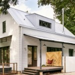 บ้านคอทเทจสมัยใหม่ โทนสีขาว พร้อมเฉลียงขนาดเล็ก ตกแต่งได้อย่างน่ารัก