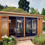 โฮมออฟฟิศขนาดเล็ก วัสดุจากไม้และกระจก เหมาะกับสร้างเป็นบ้านตากอากาศ