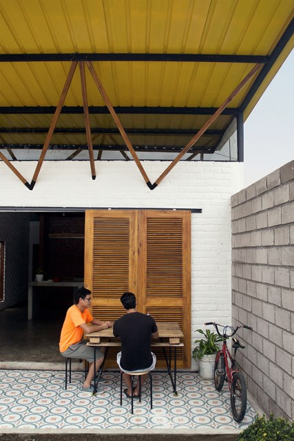 small Modern house material from brick (2)