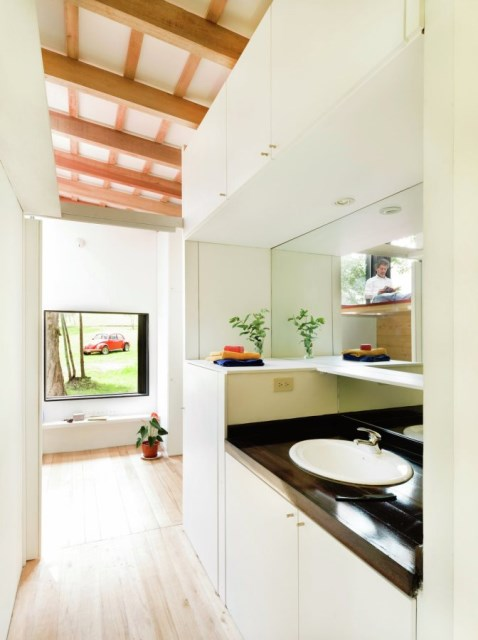 studio Small home Decorated with modern shapes (1)