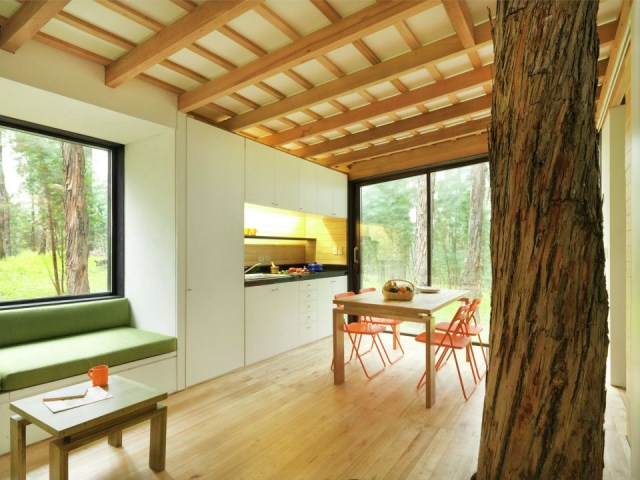 studio Small home Decorated with modern shapes (11)