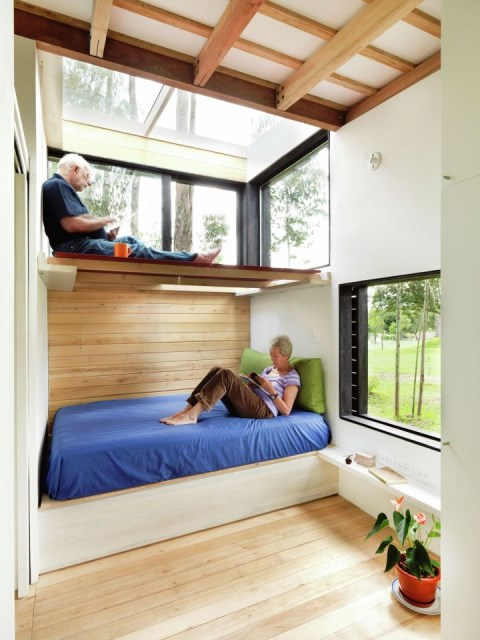 studio Small home Decorated with modern shapes (2)