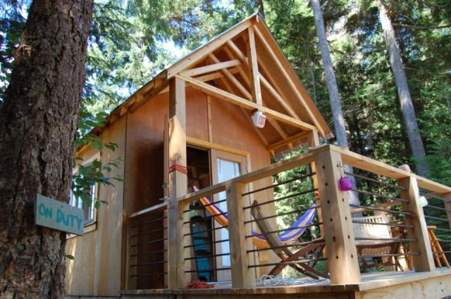 tiny-rustic-cabin (2)