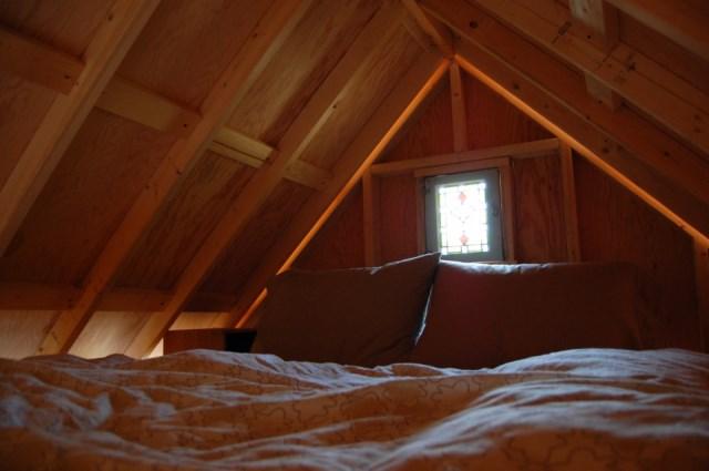 tiny-rustic-cabin (6)