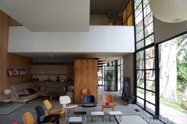 two- storey Modern home steel glass natural garden (1)