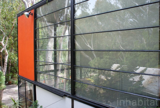 two- storey Modern home steel glass natural garden (7)