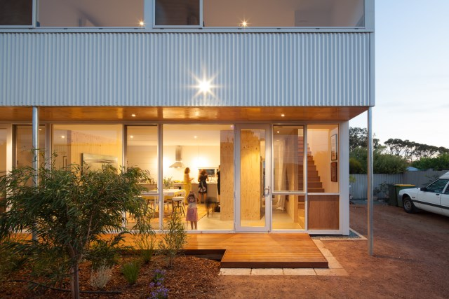 two-story Modern house  (14)
