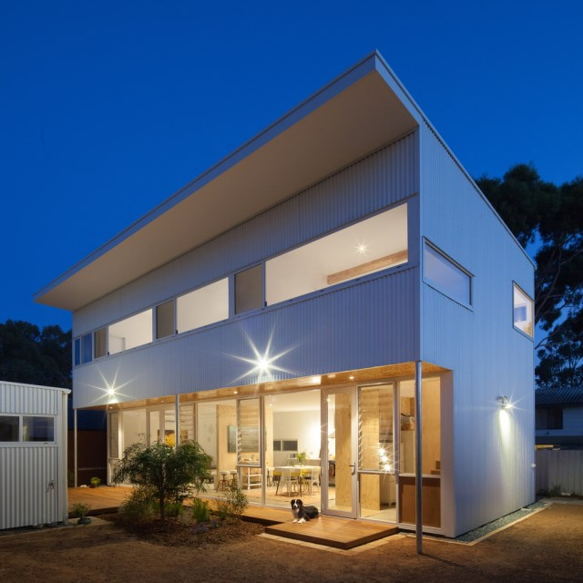 two-story Modern house  (3)