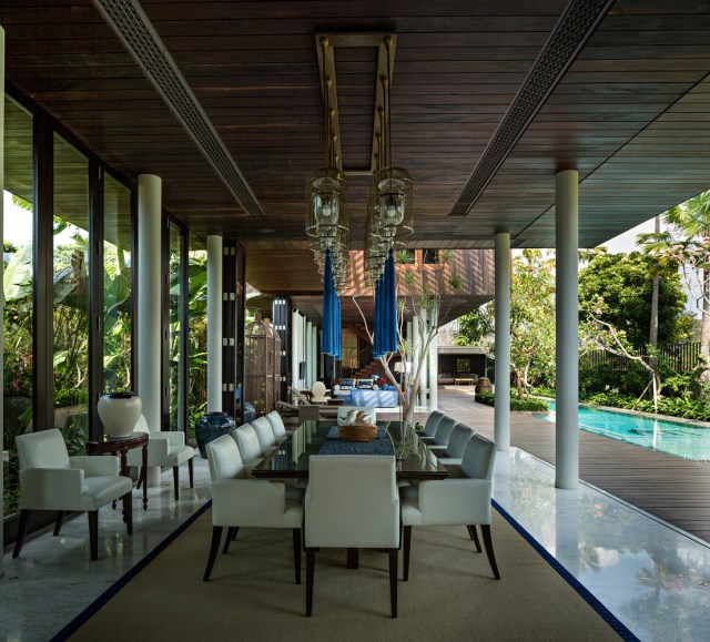 two-story contemporary home with swimming pool (10)