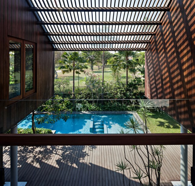 two-story contemporary home with swimming pool (4)