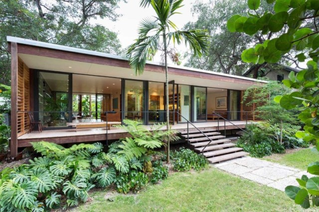 villa Modern style with wooden windows (2)