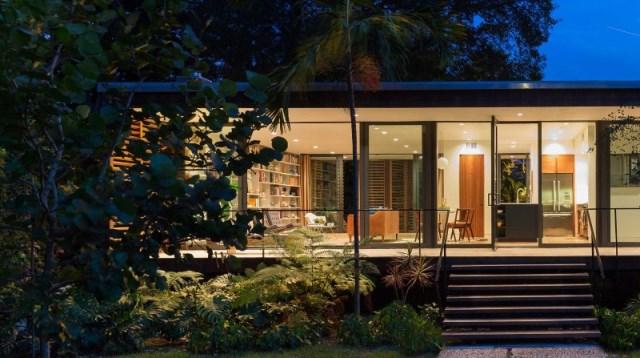 villa Modern style with wooden windows (4)