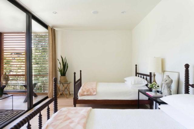 villa Modern style with wooden windows (8)