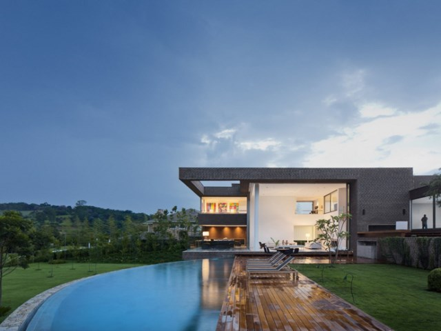 villa-houses-with-contemporary-designs (29)